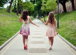 Sukienki damskie na co dzień - wprowadź je do swojej szafy!