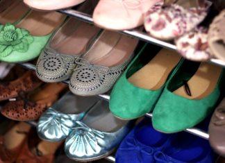 jakie buty do granatowej sukienki